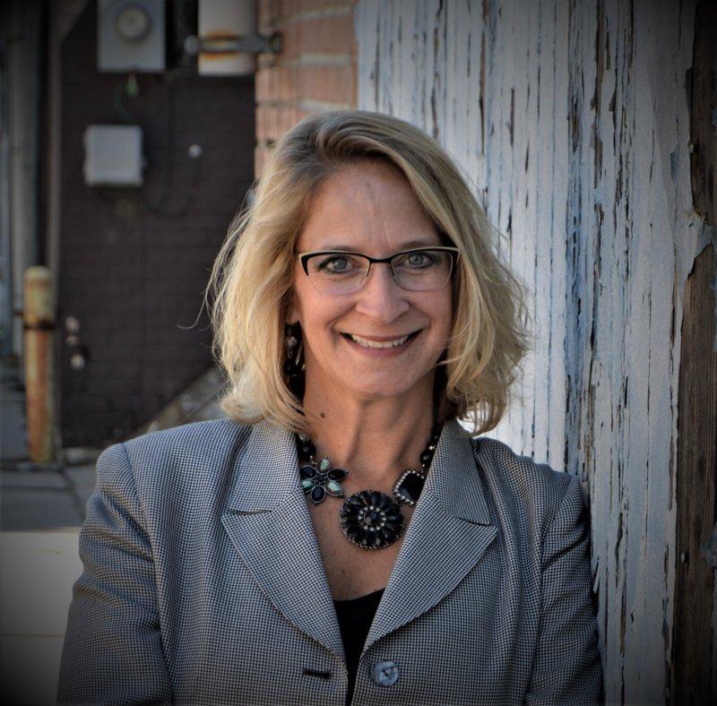 Julie Lenox