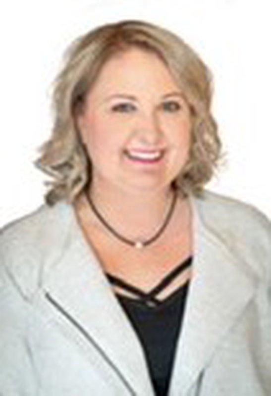 Jennifer M Hart