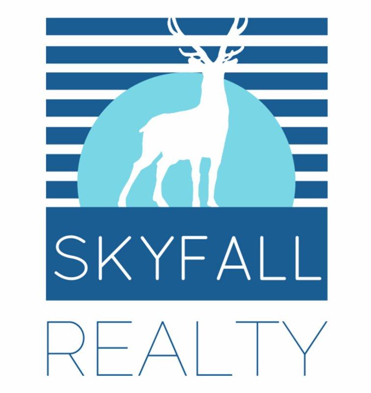 """alt=""""Skyfall"""