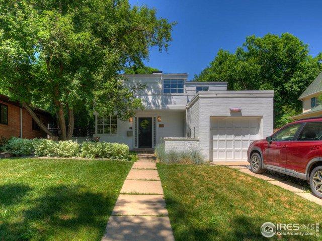 Large front yard Property Photo