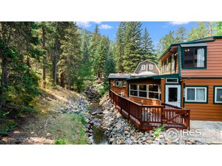 986 Fox Creek Rd Glen Haven, CO 80532