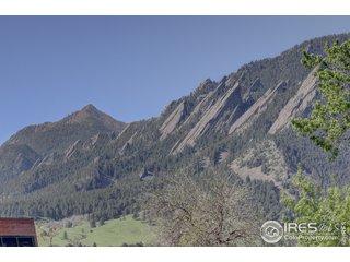2105 11th St Boulder, CO 80302